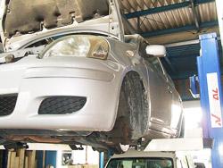 修理屋さんの車検工房のお待たせしない即日車検